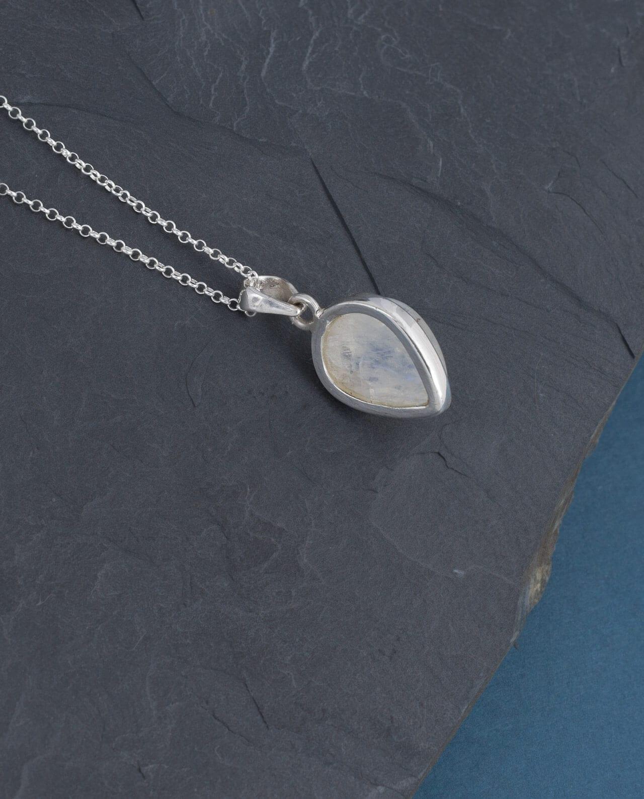 CONLIGHT Regenbogenmondstein Silber Anhaenger